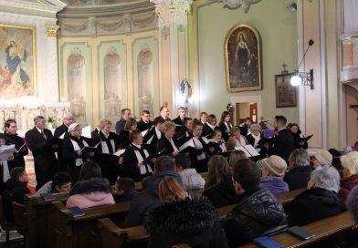 Kórusok a Szentkúti templomban
