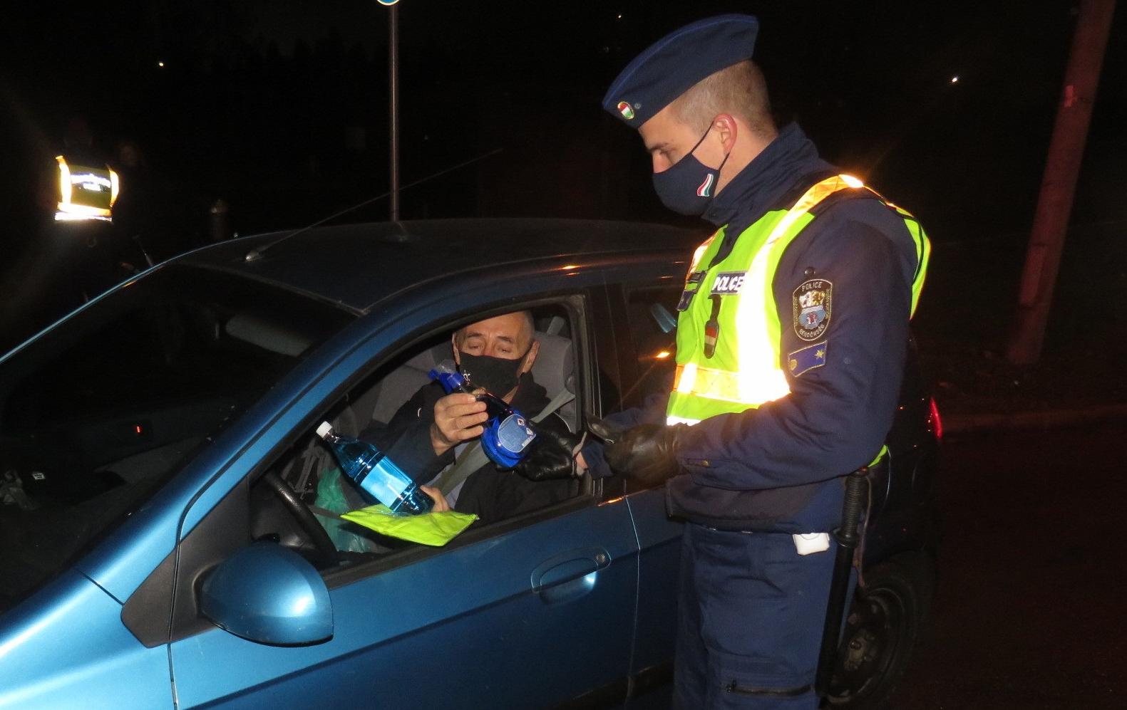 közlekedési rendőr tiszt látása