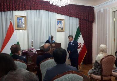 Könyvbemutatón az Iráni nagykövetségen